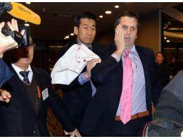 ABD Büyükelçisine usturalı saldırı