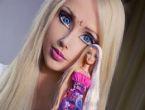 İnsan Barbie makyajsız haliyle şaşırttı