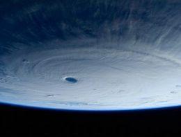 Süper tayfun görüntülendi