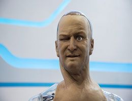 İnsansı robot mimik yapabiliyor