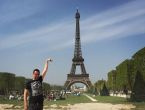 Paris'e gittiğine bin pişman oldu