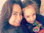 Ceyda Düvenci kızı için Amerika'ya gidiyor