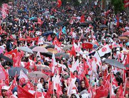 MHP Erzurum mitinginden kareler