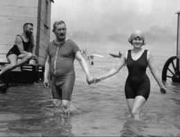 100 yıl önce Avrupa plajları