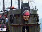 Marmaris'te 'Korsan tekne' kavgası