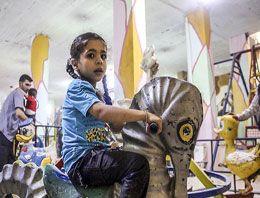 Suriyeli çocuklara yeraltında oyun parkı