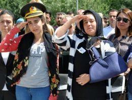 Şehit Binbaşı Arslan'a ağlatan selam