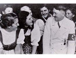 Hitler şehri bombaladı cinsel devrim yaptı