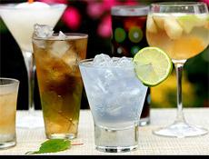 TAPDK'nin yayınladığı yönetmelik, şehirleşmiş ve içkili restoranlarla dolu otoyol kenarındaki işletmeleri tartışmaya açtı
