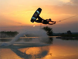 Engelli çocuklara sörf eğitimi!