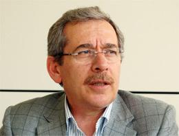 Abdullatif Şener kepenk indiriyor