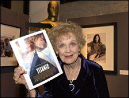 Gloria Stuart kimdir