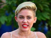 Meğer hepsi kopyaymış Miley Cyrus şaşırttı