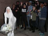 Lady Gaga düğün provası yaptı!