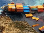 Türk gemisi karaya oturdu