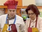 İhsanoğlu'nun eşi STV'de yemek pişirdi VİDEO İZLE