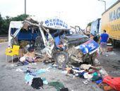 Trafik Kazası:7'si çocuk 20 yaralı TIKLA