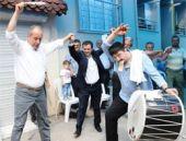 CHP'li İnce halay çekti Arınç'ı taşladı!