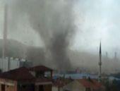 Kocaeli'de hortum çatıları böyle uçurdu!
