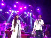 Leman Sam ve Yaşar'dan ortak sahne performansı