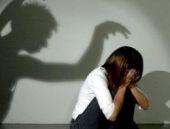 Engelli çocuğa tecavüz ederken kocası da...