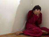 Zihinsel engelli kızına tecavüz etti