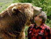 Vahşi ayı ve çılgın Türk'ün inanılmaz dostluğu!
