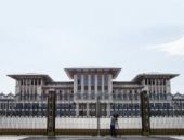 Ak Saray'da tek gecelik açılış