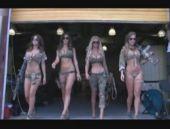 Bikinili askerler Amerika'yı karıştırdı