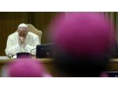 Vatikan'da 'playboy rahipler' skandalı