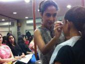 Hindistan'da 'kadın makyöz yasağı' kalkıyor