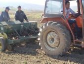 MHP'li başkan maaş için çiftçilik yaptı
