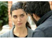 Kara Para Aşk 25. bölüm Elif ve Ömer kaza yapıyor