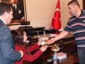 Genelkurmay'dan şehidin ailesine ev bağışlayan sıvacıya davet