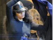 Rihanna alışverişe sütyensiz çıkarsa...