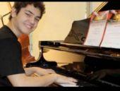 Piyano dehası Esad Türk vatandaşı oldu