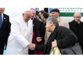 Papa'nın çevirmenliğini yaptım diye beni...