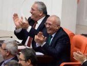Bülent Arınç'ın esprileri meclisi ısıttı...