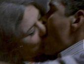 Belçim Bilgin'den olay öpüşme sahnesi