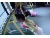 Otobüste sütyen takan adam olay oldu!