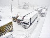 Hava durumu Bolu Dağı'nda trafik durdu
