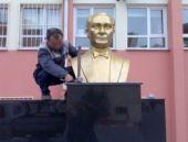 Atatürk büstü çalındı!