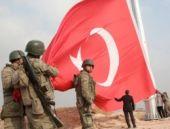 Kobani sınırına dev bayrak