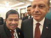 'Erdoğan selfiesi' ile tepki gösterdi!