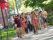 Harvard'ta öğretmen-öğrenci ilişkisi yasak