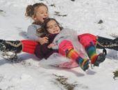 Manisa'da kar bastırdı hava durumu nasıl?