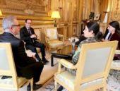 YPG komutanı üniformasıyla Hollande'la buluştu!