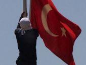 Hatay ve Antalya'da bayrağa saldırı
