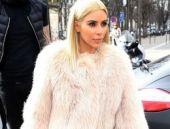 Kardashian yine kıyafetiyle olay oldu!