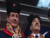 Davutoğlu'dan gülümseten espri!